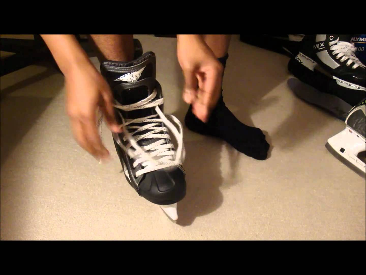 How Ice Hockey Skates Should Fit – Find out how to check your size & width is right