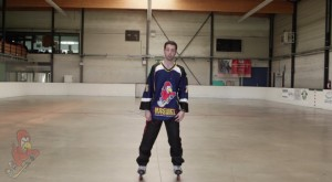 how-to-hockey-stop-in-inline-roller-hockey-skates-for-beginners-4