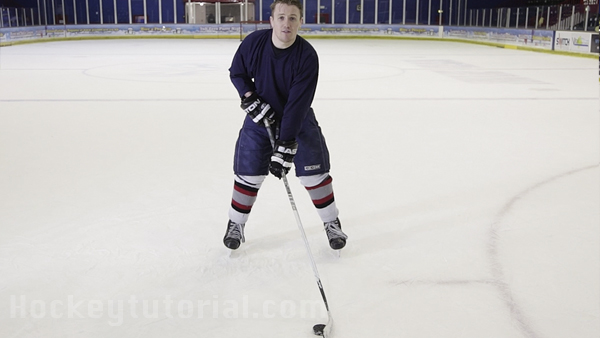 How-to-take-a-wrist-shot-in-hockey-for-beginners-2
